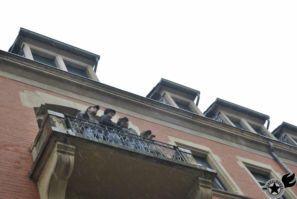 Nazis auf Balkon